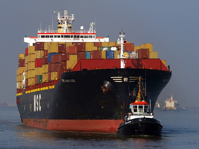 Container_Ship-84139_640